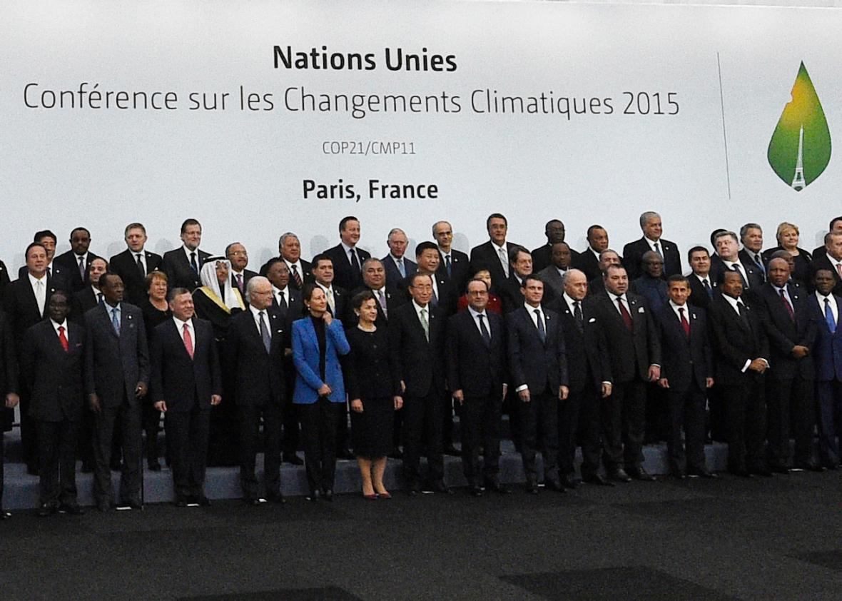 Global powers pledge 20 billion for green energy as climate summit paris climate summit climate protests cop21 carbon emissions binding climate agreement platinumwayz