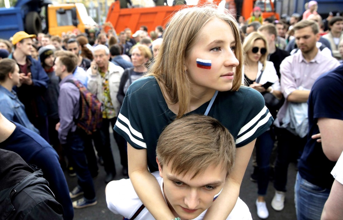 Russian Activist Alexei Navalny Jailed As Tens of ...