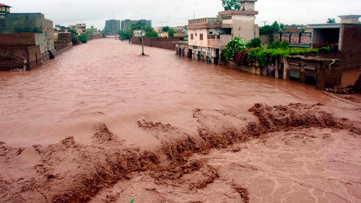 flash floods have killed hundreds in pakistan where severe climate  peshawar pakistan  in chitral district of khyber paktunkhwa in the north  of pakistan at least  people were killed and  others went missing  during