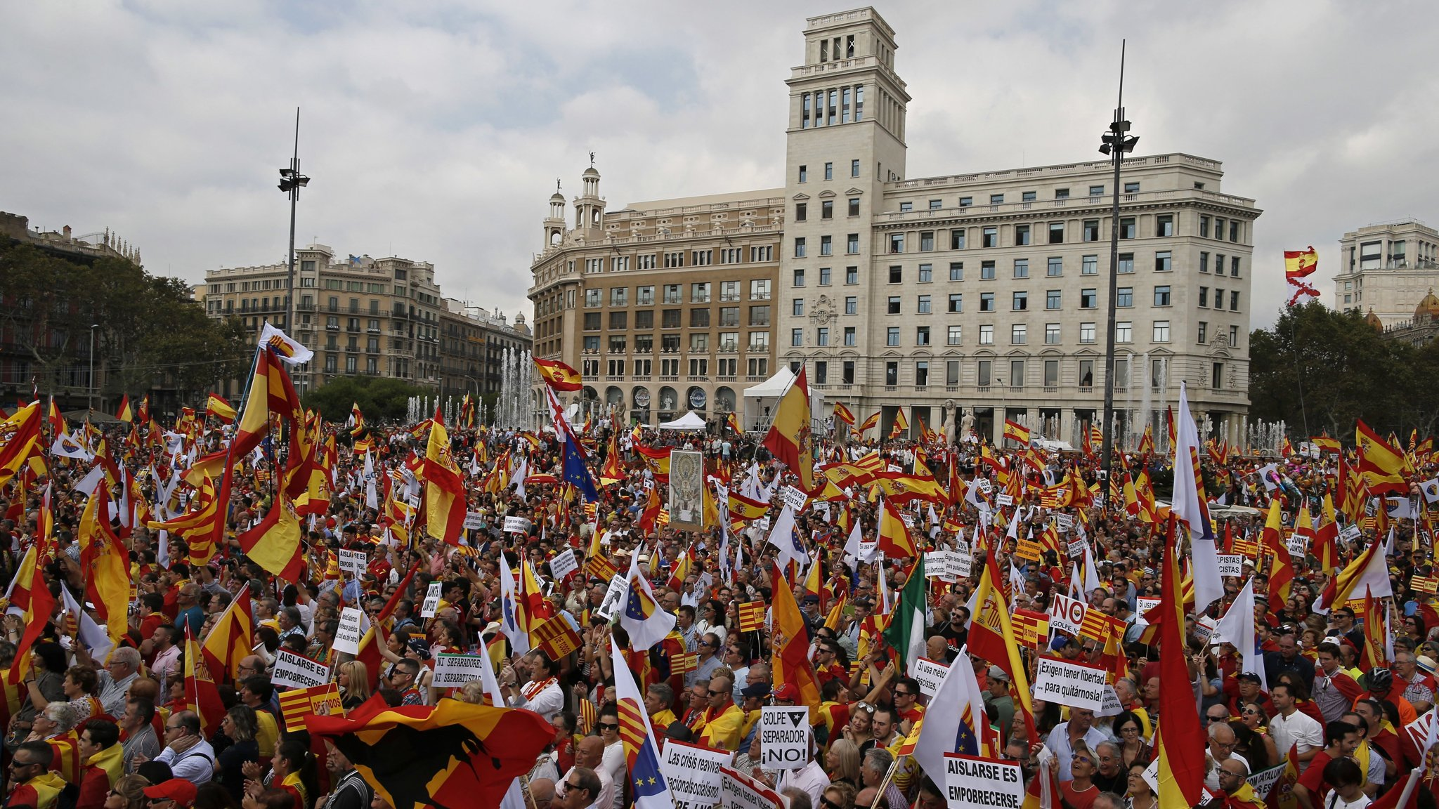 Catalan independence movement, Catalan referendum, Madrid crackdown, paramilitary police, Spanish protests, Catalan protests