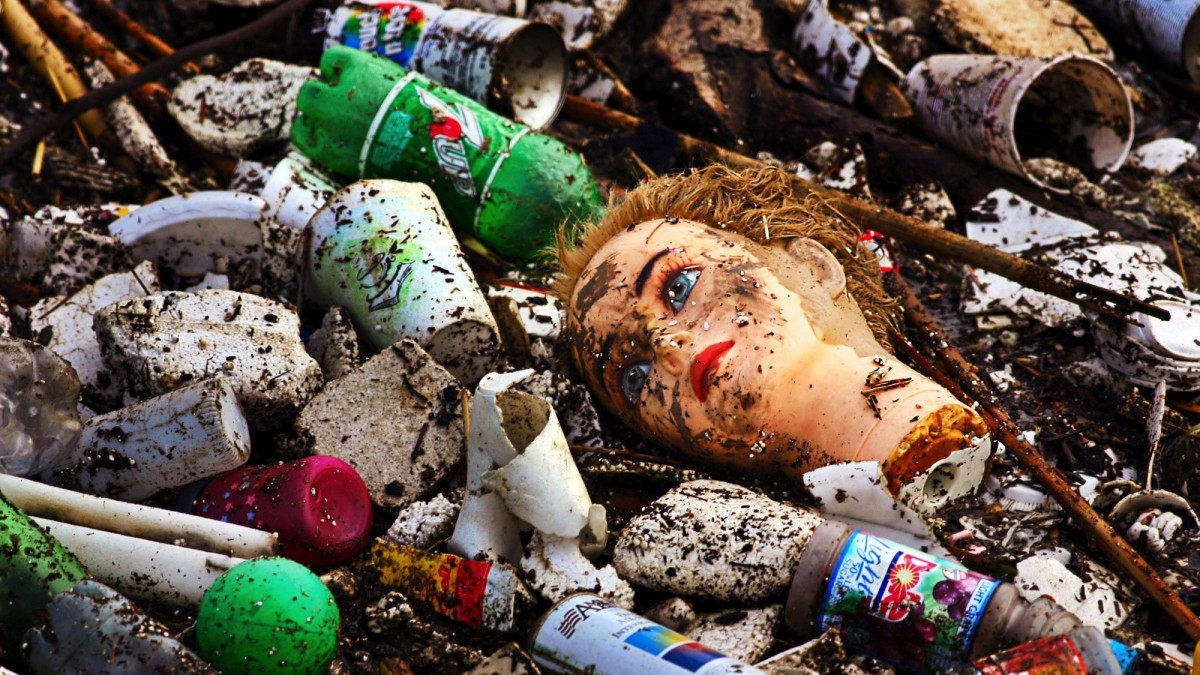 plastic pollution, Greenpeace, plastic recycling, plastic waste, plastics patch, dying oceans
