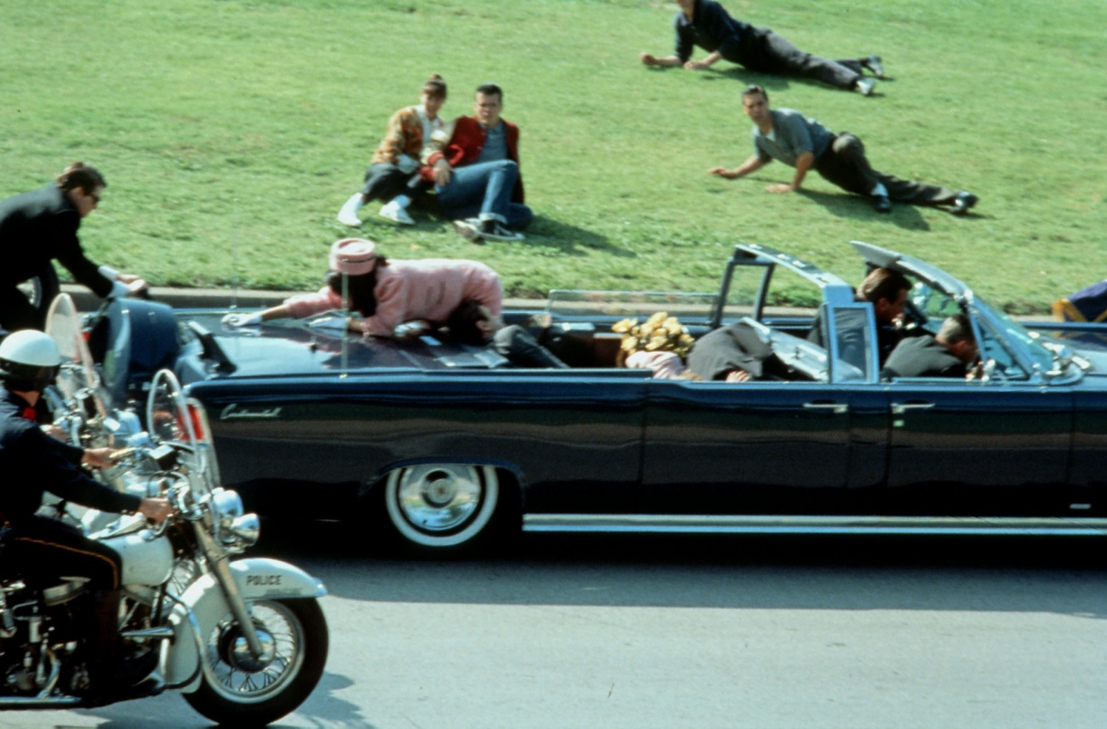 jfk assassination essay best images about jfk assassination jfk  16 mind blowing facts about who really killed jfk com 8bd2e3ea 70fd 443f ac01 6ef5d6a49981 htra211