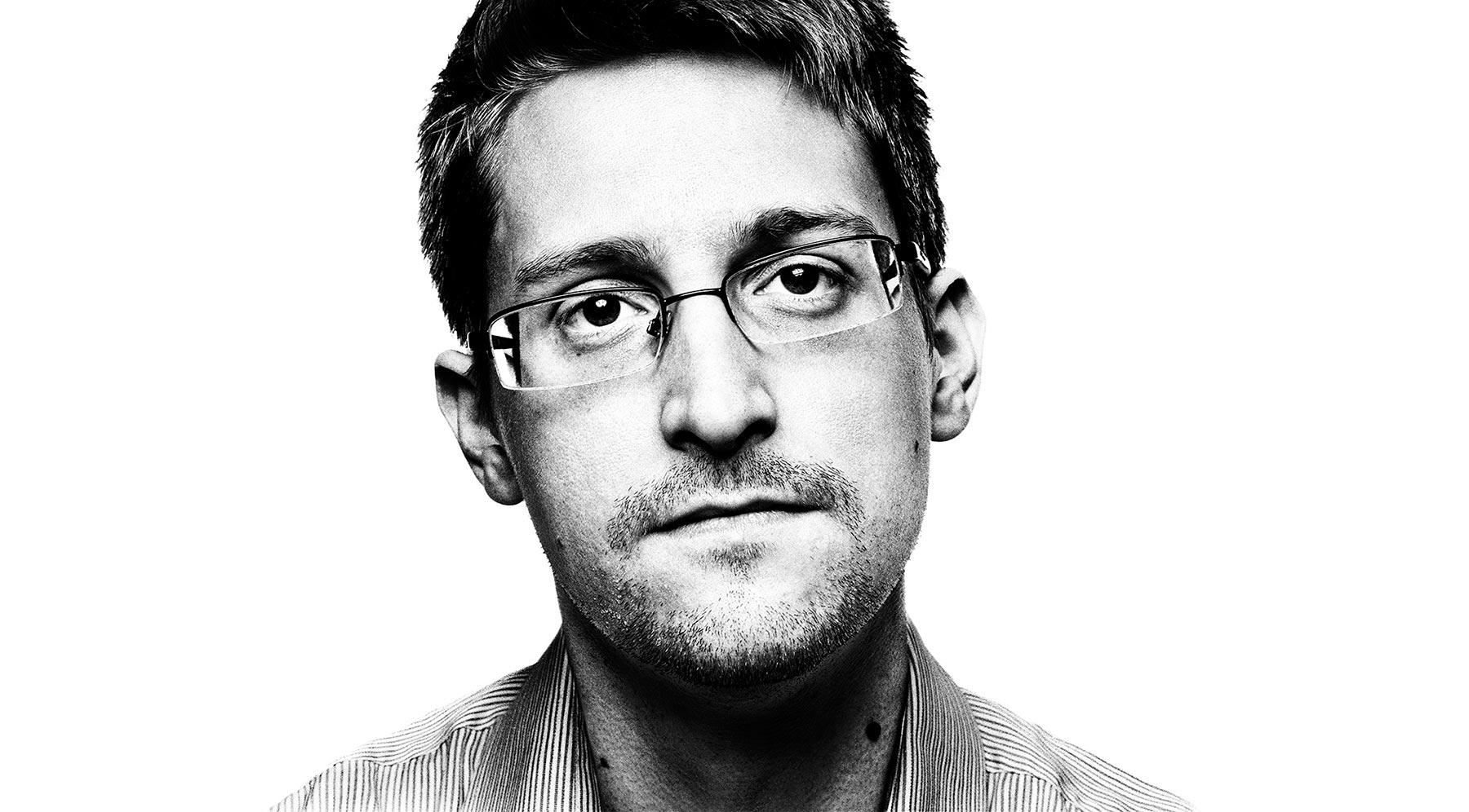 Edward Snowden, Chelsea Manning, whistleblowers, NSA spying, Eric Holder, Espionage Act, Thomas Drake