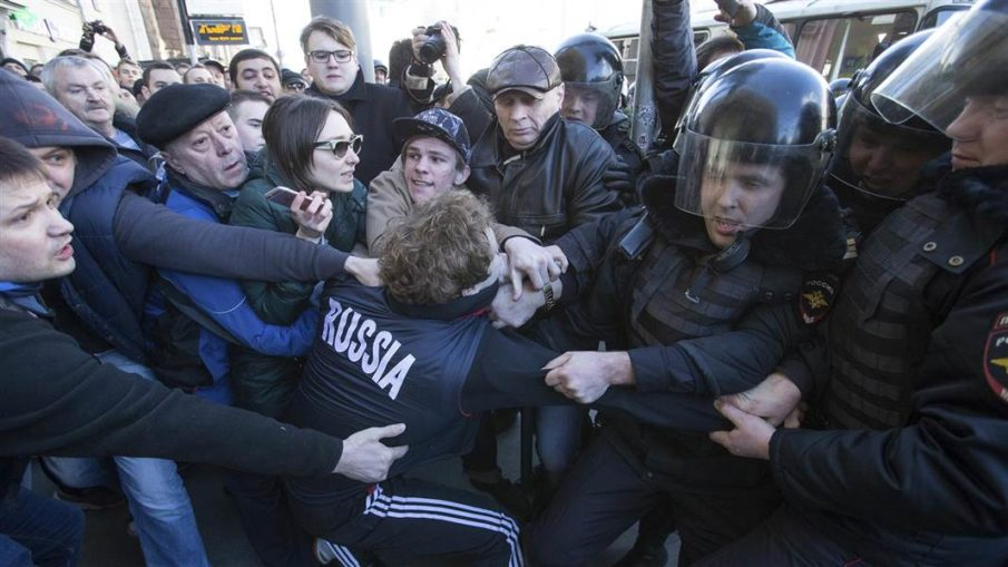 Alexei Navalny, Vladimir Putin, Russia protests, anti-corruption protests, Russia pro-democracy movement, Dmitry Medvedev