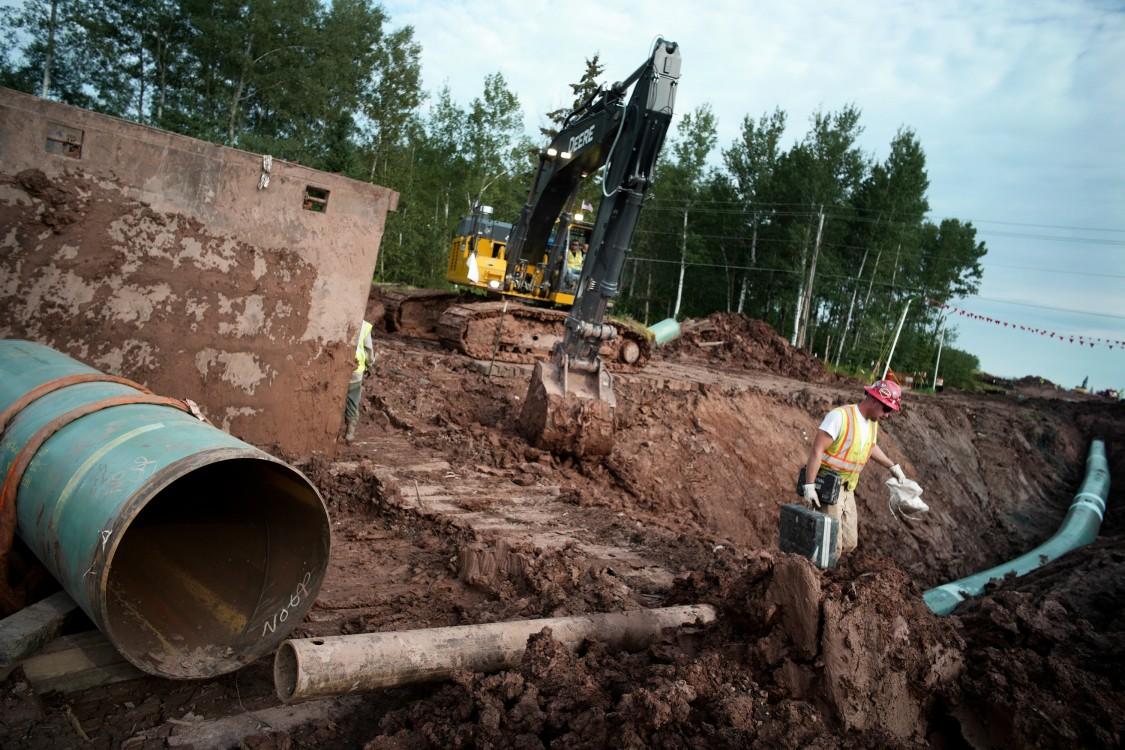 tar sands pipelines, tar sands protesters, Standing Rock, Enbridge Line 3, protester surveillance, environmental activism, climate activists