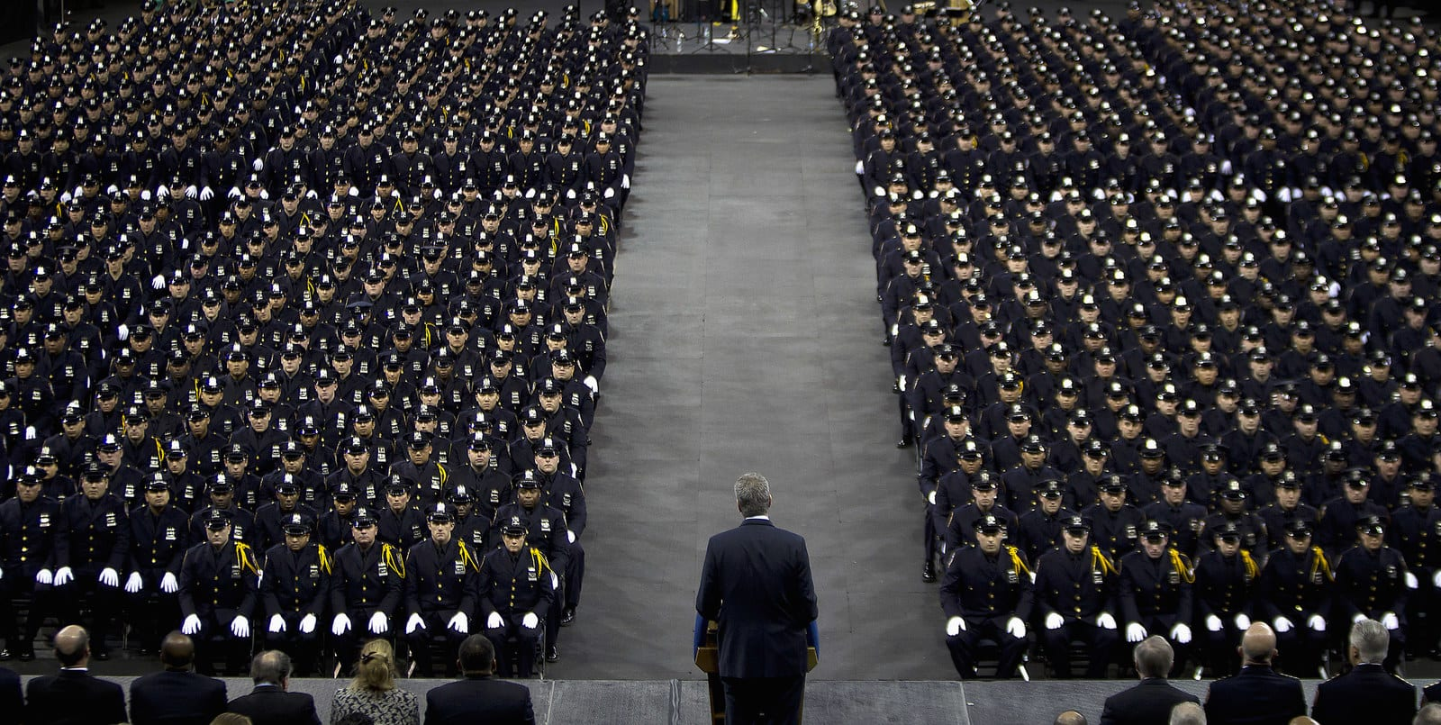 Mayor Bill de Blasio speaks to the New York City Police Academy graduating class, Dec. 29, 2014. - Carlo Allegri / Reuters