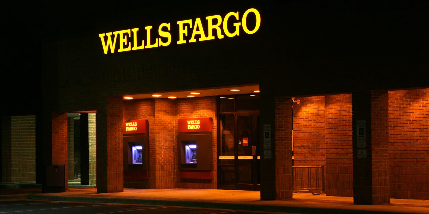 Wells Fargo scandals, Wells Fargo fraud, foreclosure crisis, John Stumpf, Tim Sloan, Elizabeth Warren, bank bailouts