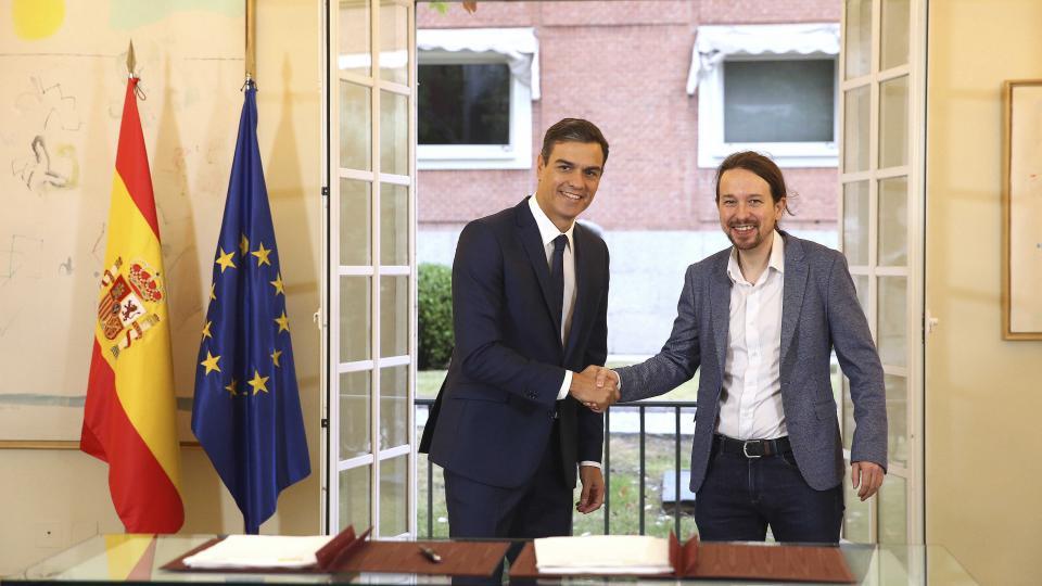 Spanish socialist government, Podemos party, Pablo Iglesias, 15M, Indignados, anti-austerity movement