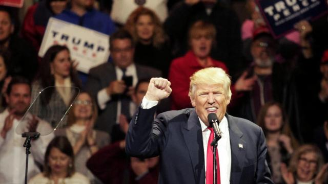 Donald Trump, tyranny, Robert Reich, democracy, Election 2016