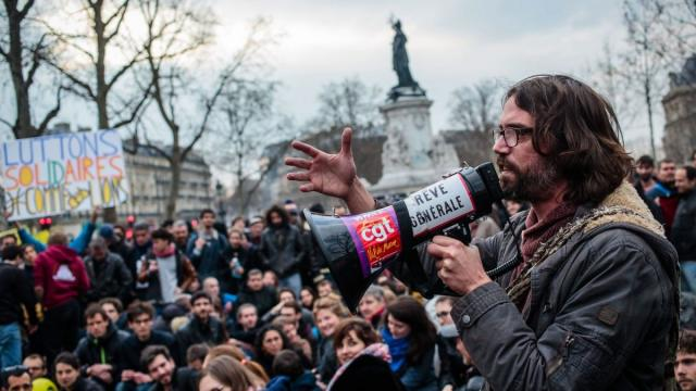Nuit Debout, horizontal democracy, horizontalism, direct democracy, Nuit-Deboutistes, Occupy Wall Street, 15-M, global social movements, economic justice movements, movement of the squares