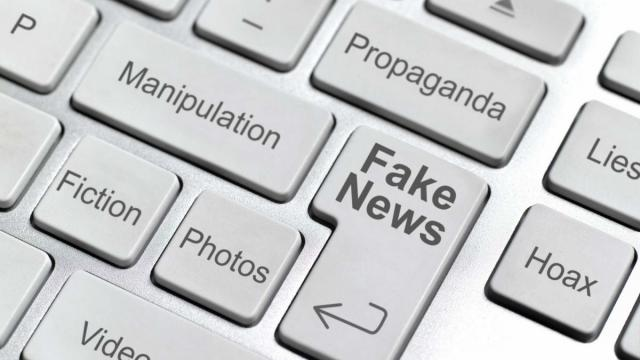fake news, junk news, Donald Trump, sensationalist news, truth and lies, Trump base, Trump supporters