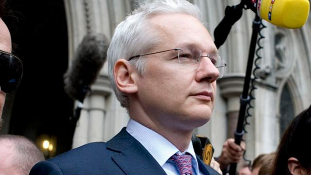 Wikileaks, Julian Assange, Ecuadorian embassy, political persecution