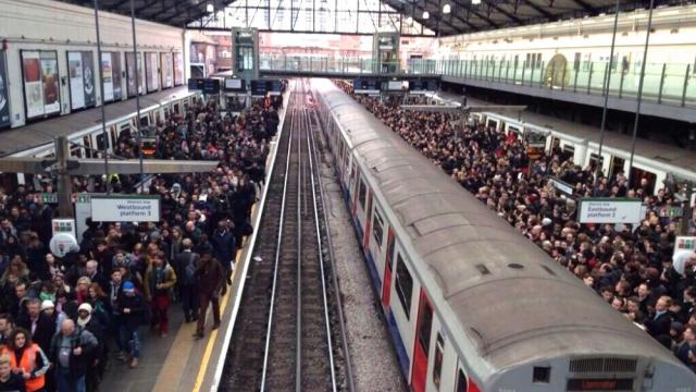 London tube strikes, anti-labor laws, anti-strike laws, London Underground, National Union of Rail, Maritime and Transport Workers, RMT